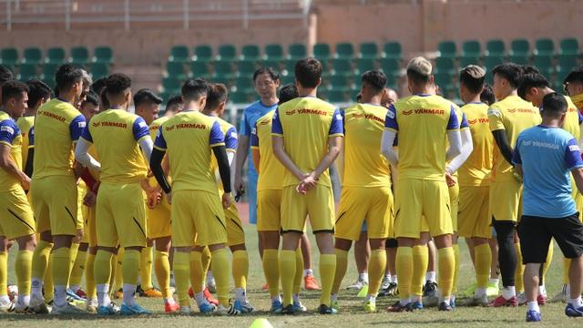 U23 Việt Nam đội nắng tập luyện trong ngày cuối cùng của năm 2019 - 5