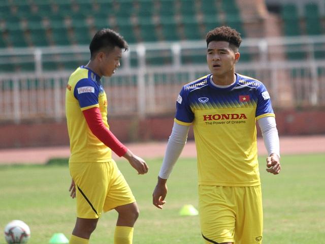 U23 Việt Nam đội nắng tập luyện trong ngày cuối cùng của năm 2019 - 12