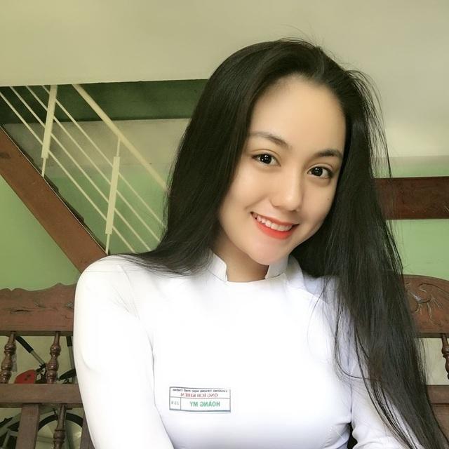 2 nữ sinh Việt như bản sao Địch Lệ Nhiệt Ba cực xinh với áo dài, đồng phục - 2