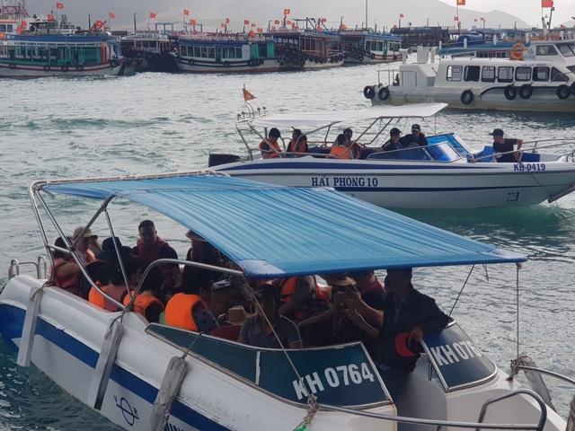 Du khách hân hoan tham quan Nha Trang trong ngày đầu năm mới - 3