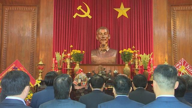 Phó Thủ tướng Vương Đình Huệ thăm, tặng quà các gia đình chính sách, hoàn cảnh khó khăn - 4