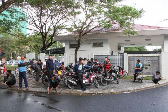 Đà Nẵng: Tài xế xe buýt ngừng việc tập thể vì ...bị nợ lương, chậm đóng BHXH - 1