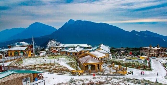 Biệt thự cổ trăm tuổi trên đỉnh sương tuyết Mẫu Sơn - 1