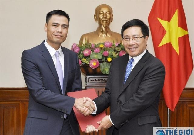 Thủ tướng bổ nhiệm lãnh đạo Bộ Quốc phòng, Trợ lý Phó Thủ tướng - Ảnh minh hoạ 2