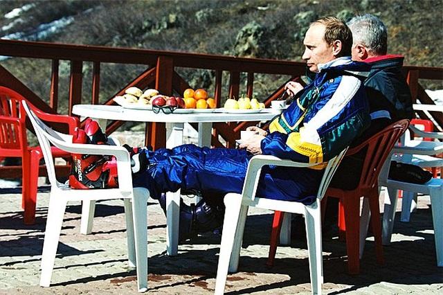 Chùm ảnh chưa từng được công bố của Tổng thống Nga Putin - 6
