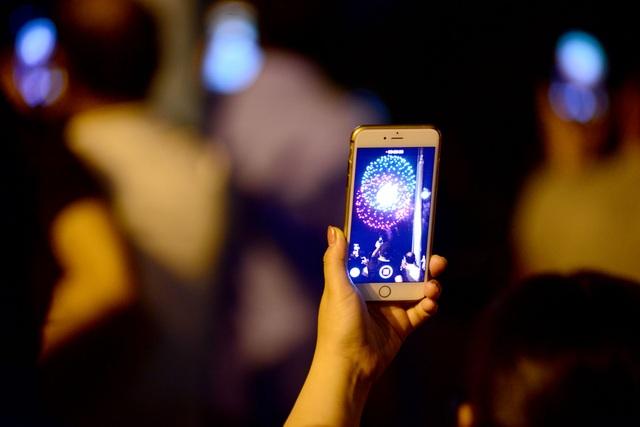 Mãn nhãn với pháo hoa trên bầu trời Sài Gòn - 9