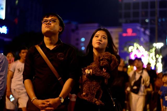 Mãn nhãn với pháo hoa trên bầu trời Sài Gòn - 7