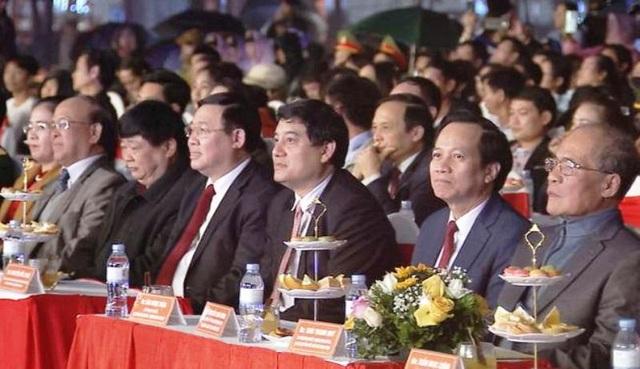 Phó Thủ tướng dự Lễ hội Cam Vinh vàđón năm mới tại Nghệ An - 1