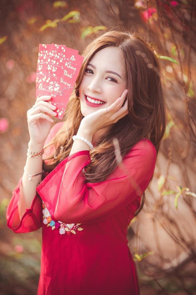 Thiếu nữ Hà thành khoe sắc bên vườn đào ngày Xuân - 1