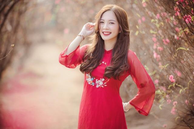 Thiếu nữ Hà thành khoe sắc bên vườn đào ngày Xuân - 3