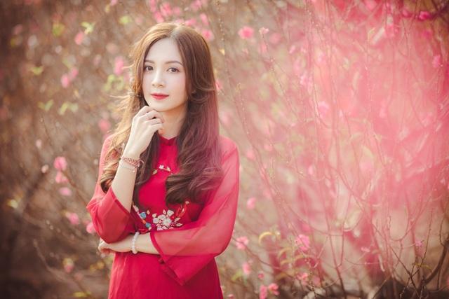 Thiếu nữ Hà thành khoe sắc bên vườn đào ngày Xuân - 4