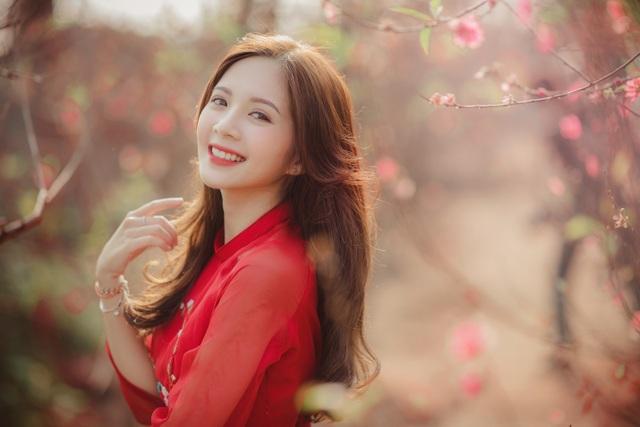 Thiếu nữ Hà thành khoe sắc bên vườn đào ngày Xuân - 9