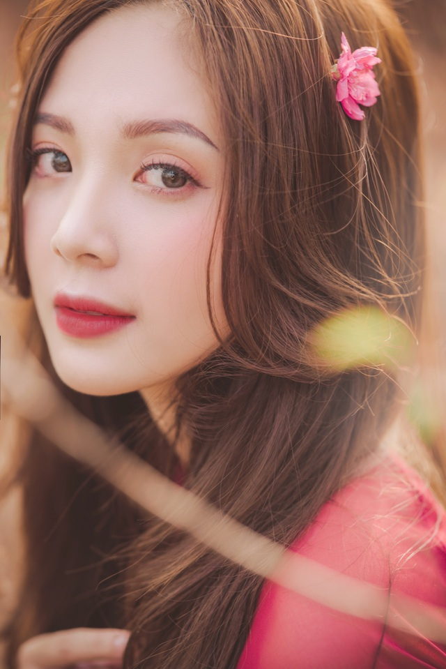 Thiếu nữ Hà thành khoe sắc bên vườn đào ngày Xuân - 11