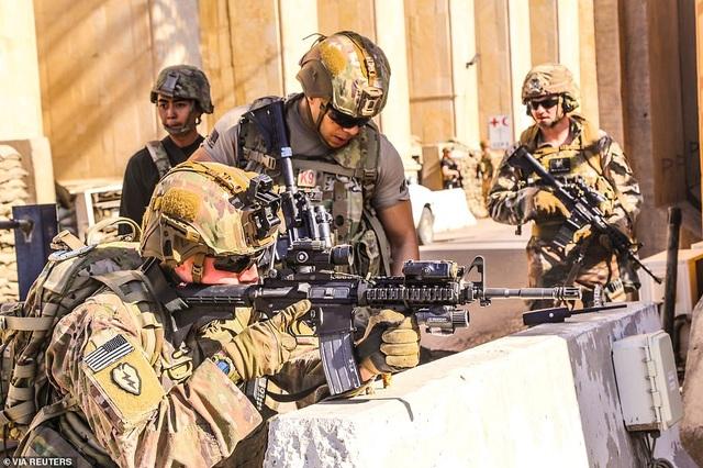 Đại sứ quán Mỹ ở Iraq tan hoang sau vụ tấn công của người biểu tình - 8