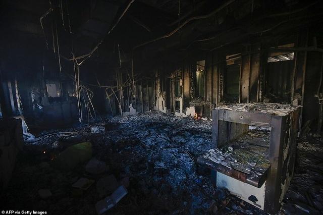 Đại sứ quán Mỹ ở Iraq tan hoang sau vụ tấn công của người biểu tình - 1