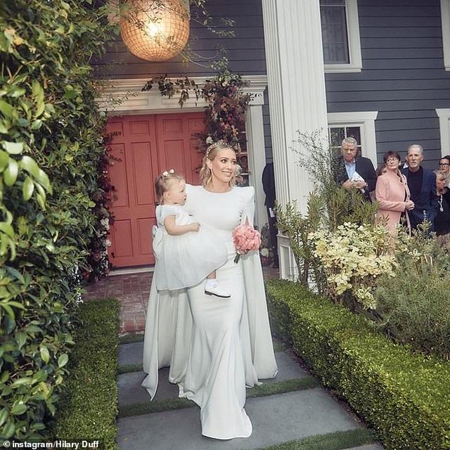 Hilary Duff chia sẻ thêm ảnh cưới - 8