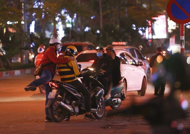 Hà Nội: Nhiều người vẫn lái xe sau khi uống rượu bia - 9