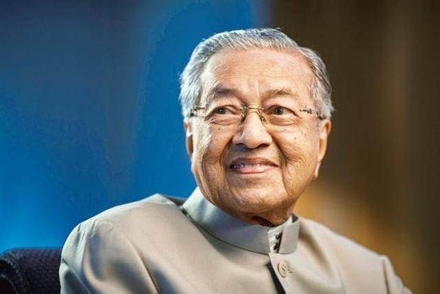 Thủ tướng Malaysia tiết lộ bí quyết sống khỏe ở tuổi 95 - 1
