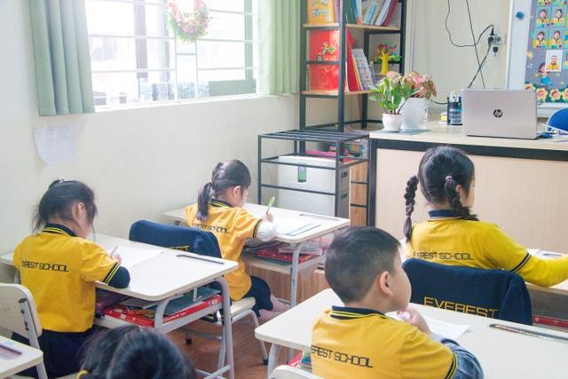 Ô nhiễm không khí, trường học Hà Nội lắp máy lọc không khí tại lớp học - 2