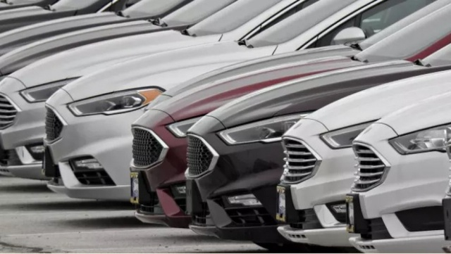 Ô tô tồn kho nhiều vô kể, đẩy hàng cũ ế, ém xe đời 2020 - 2