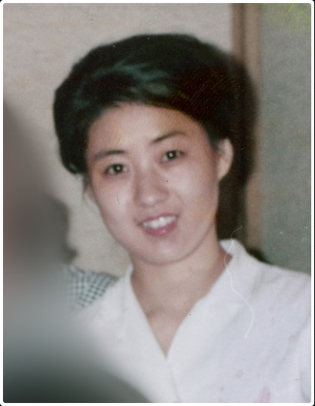 Triều Tiên dựng tượng đài tôn vinh mẹ ruột ông Kim Jong-un - 2