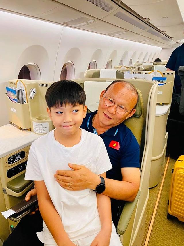 Ngày đầu tiên trong năm mới 2020, sao Việt làm gì? - 7