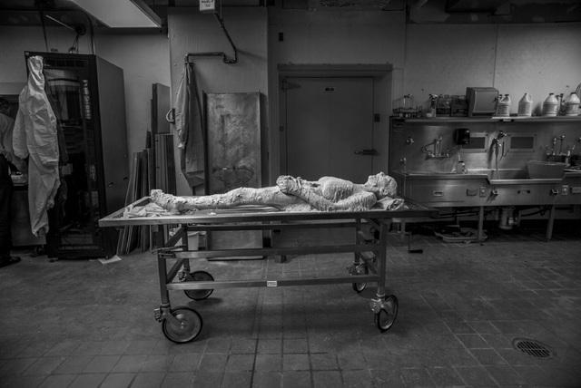 Câu chuyện bất ngờ đằng sau 2 khoảnh khắc y khoa lọt top những bức ảnh xuất sắc nhất thập kỷ - 1