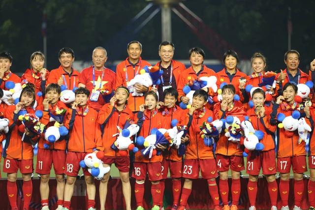 Đội tuyển nữ Việt Nam chưa nhận đủ tiền thưởng SEA Games - 1