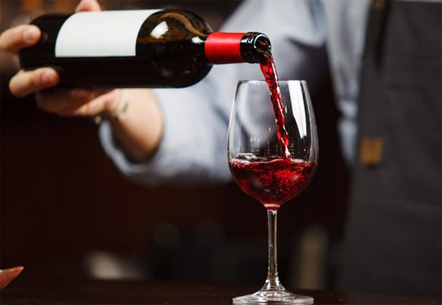 Rượu vang giả, vang nhái: Mối nguy hiểm dịp cận Tết - 1