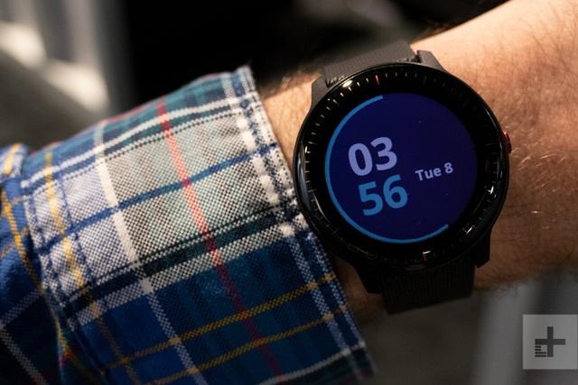 Những mẫu đồng hồ thông minh tốt nhất năm qua - 5