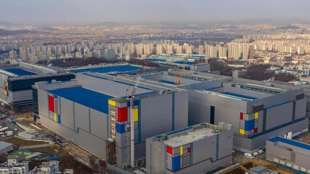 Mất điện 1 phút, nhà máy Samsung thiệt hại hàng triệu USD, đóng cửa trong 3 ngày - 1