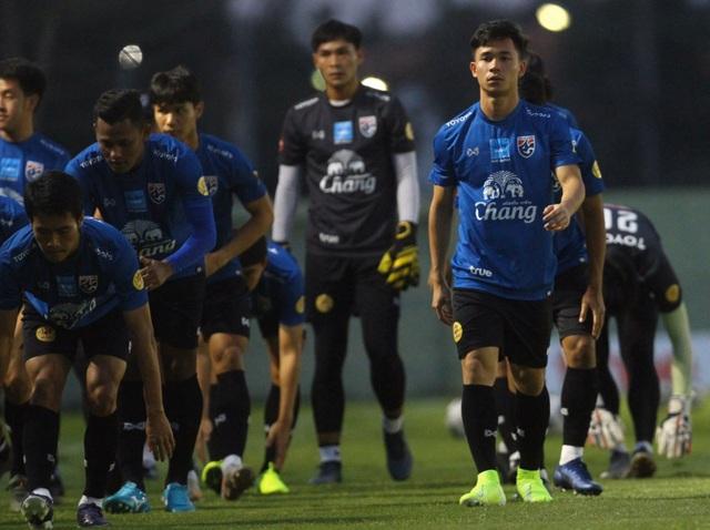 HLV Nishino lo mất ngôi sao Supachok  trước giải U23 châu Á - 2