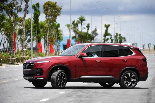 """VinFast Lux và những ưu đãi """"khủng"""" trên thị trường ô tô Việt Nam - 2"""