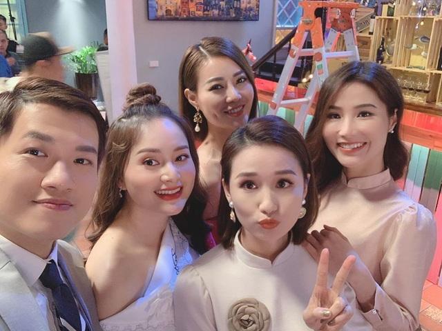 NSND Hoàng Dũng, Lan Hương lần đầu trổ tài ca hát cùng dàn diễn viên đình đám - 16