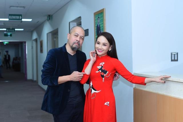 NSND Hoàng Dũng, Lan Hương lần đầu trổ tài ca hát cùng dàn diễn viên đình đám - 21