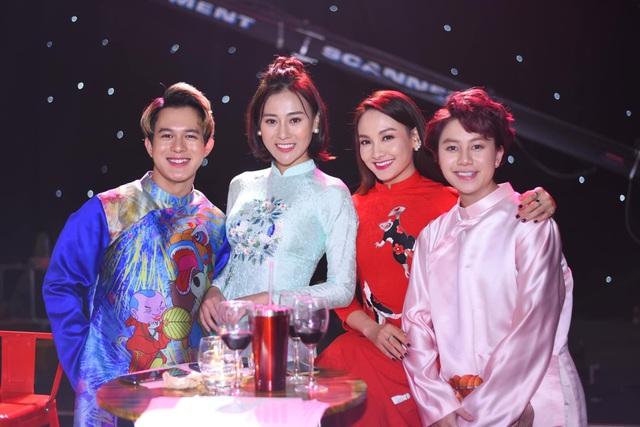 NSND Hoàng Dũng, Lan Hương lần đầu trổ tài ca hát cùng dàn diễn viên đình đám - 13