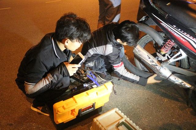 SOS Đà Nẵng: Đội cứu hộ giao thông xuyên màn đêm - 1