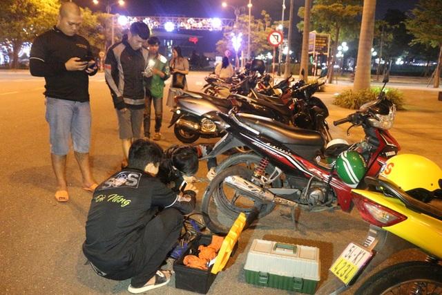 SOS Đà Nẵng: Đội cứu hộ giao thông xuyên màn đêm - 2