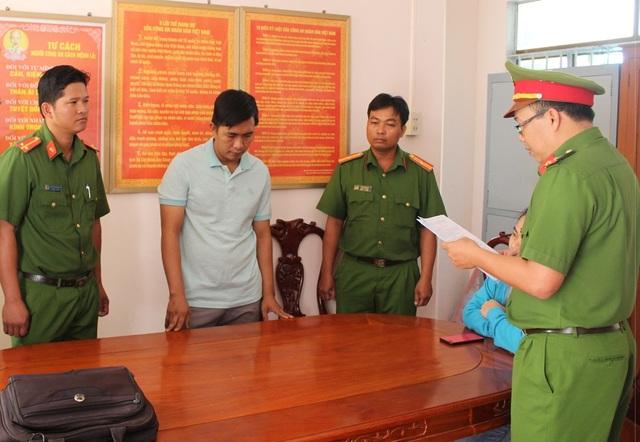 """Bắt tạm giam 2 bị can liên quan vụ án """"mua bán chính sách"""" ở Trà Vinh - 2"""