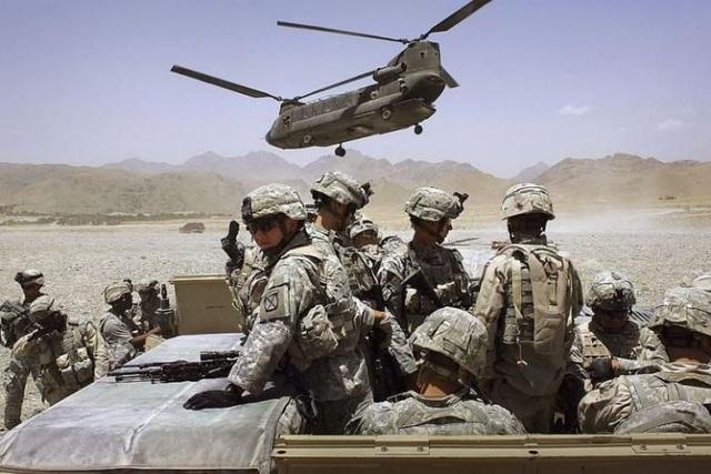 """Iran dọa """"trả thù khốc liệt"""", Mỹ đưa thêm hàng nghìn quân đến Trung Đông - 1"""