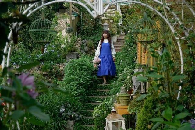 Rời thành phố chật chội, người phụ nữ về quê làm vườn và tạo nên kiệt tác đẹp không ngờ - 7