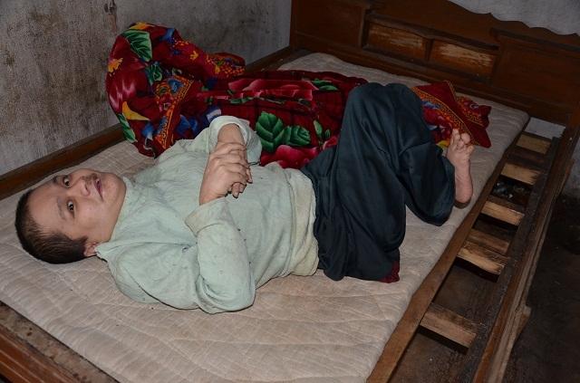 Những phận đời trong gia đình người đàn ông bại liệt đánh đu theo chiếc bẫy chuột - 1
