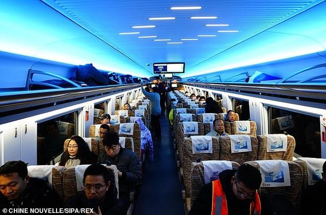 Tàu cao tốc thông minh của Trung Quốc có tốc độ 350 km/h, lái tự động và tín hiệu 5G - 2