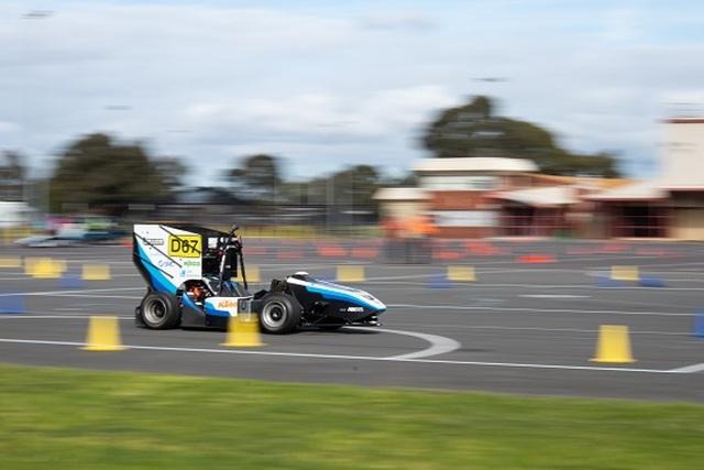 Đại học Monash: Xe đua không người lái đầu tiên của Úc do sinh viên chế tạo - 1