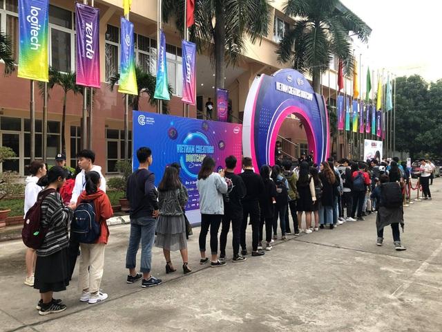 2.000 bạn trẻ Hà Nội giao lưu với các KOLs hàng đầu tại Vietnam - 4