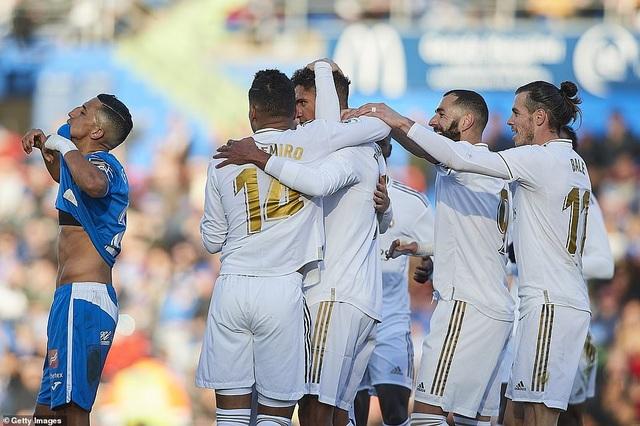 Thắng đậm trận derby, Real Madrid áp sát Barcelona - 14