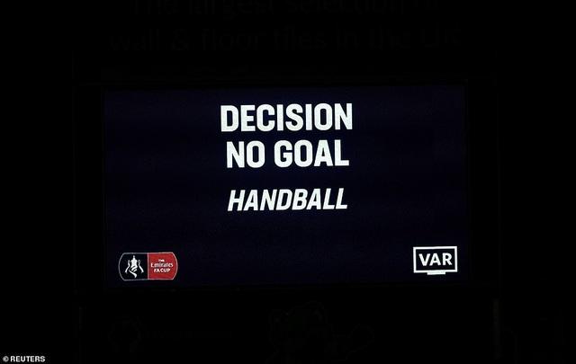 Thoát thua trên sân Wolves, Man Utd được đá lại ở FA Cup - 2