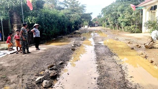 """Con đường """"đau khổ"""" tại huyện nông thôn mới đầu tiên của tỉnh Hà Tĩnh - 6"""