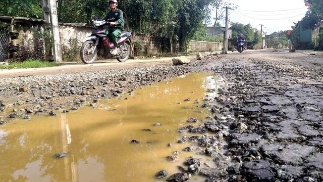"""Con đường """"đau khổ"""" tại huyện nông thôn mới đầu tiên của tỉnh Hà Tĩnh - 4"""