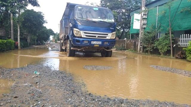 """Con đường """"đau khổ"""" tại huyện nông thôn mới đầu tiên của tỉnh Hà Tĩnh - 1"""